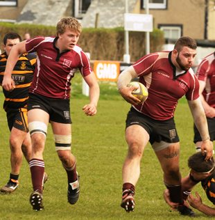 Ray Chase Gloucestershire Under 20s prop on the run picture courtesy & copyright Dave Fox